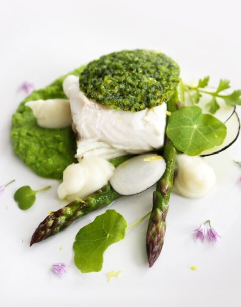halibut-with-a-herb-crust-and-green-pea-pur-e_t20_OodJnE