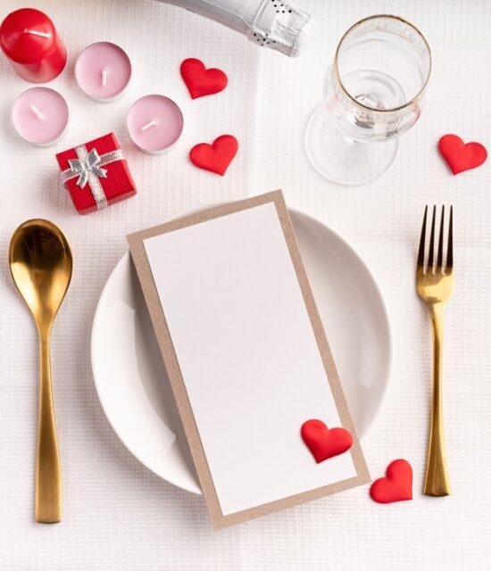 valentine-menu-mock-up-table-love-dinner-romantic-background-red-restaurant-day-decoration-setting_t20_9kZnJN